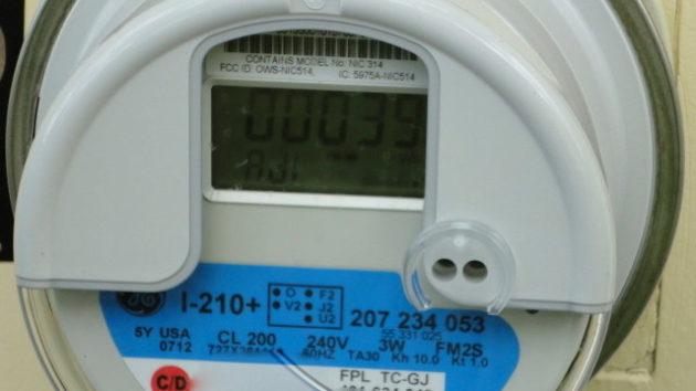 smart-meter-close-up-e1410297537117-630x354